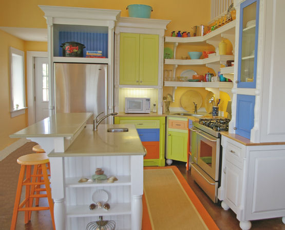 Very colorful painted kitchen bring on the seashore 39 s for Brightly painted kitchen cabinets
