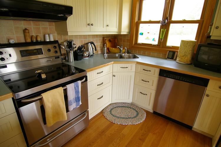 Painted kitchen still looks like new & Nova Scotia hide-a ...