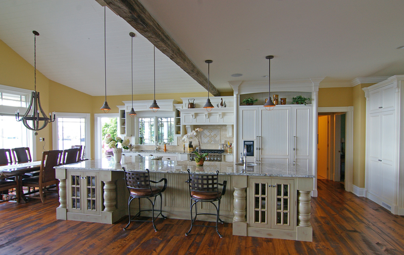 Custom kitchen cabinetry: very big and beautiful also ...