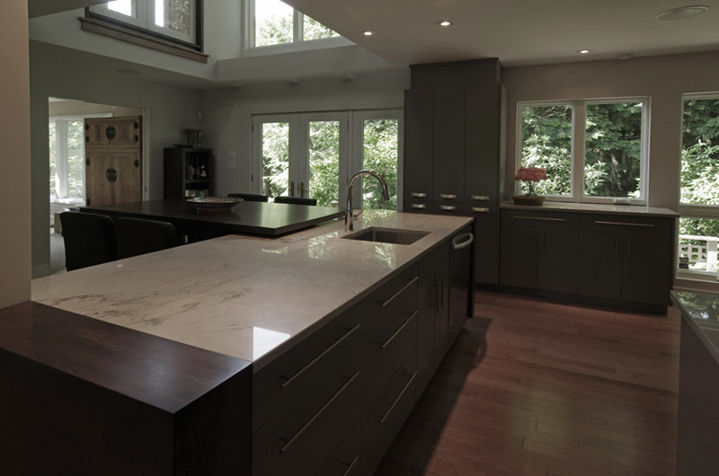 Nova Scotia Kitchen Make Over Transforms Dull Cramped Into Modern Oh So Beautiful